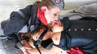Forbondage - немска лесбийка Femdom За мръсните умове (july Johnson & Mia Blow)
