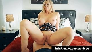 Πεινασμένη σύζυγος Julia Ann Muff Stuffed by Nasty Penis Fan