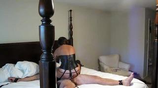 Богиня Milf Бавно чука роб, докато търси друг пишка