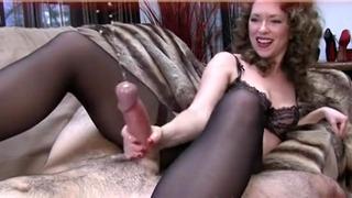 Femdom Orgasme Maman Seins Ejaculation