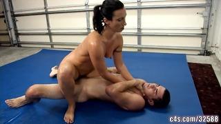 Wenona i Sex Fight Wrestling